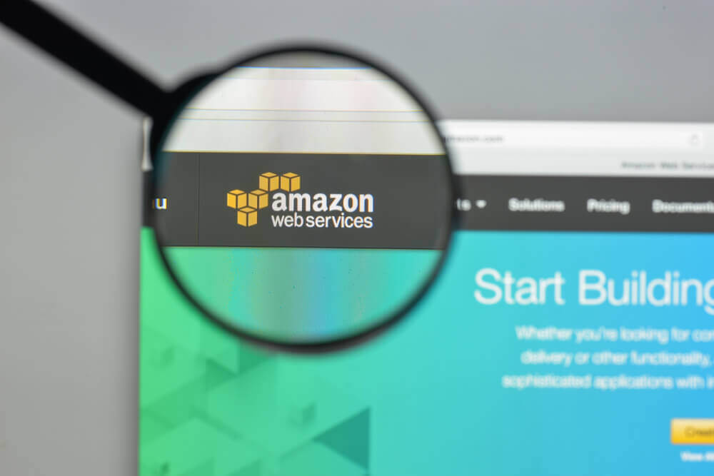 Data Warehouse and Analytics Services on AWS